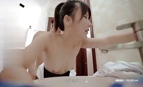 自拍国产A片成人视频,美女在厕所被强操影片