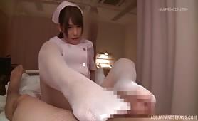 亞洲色情電影,亞洲色情網站 Awesome Momozono Mirai Knows What A Naughty Guy Wants From Her